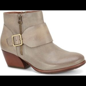 KORK-EASE Gray Leather Ankle Bootie
